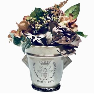 Farmhouse Floral Arrangement vintage Style